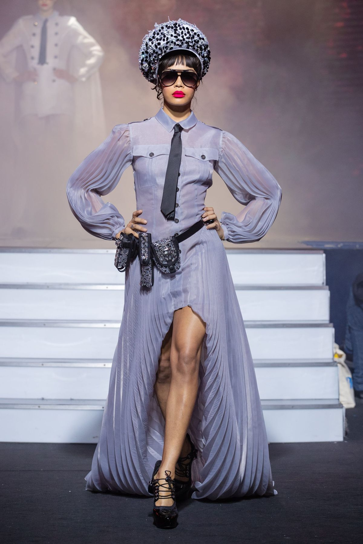 On Aura Tout Vu Fashion Show Couture Collection Spring