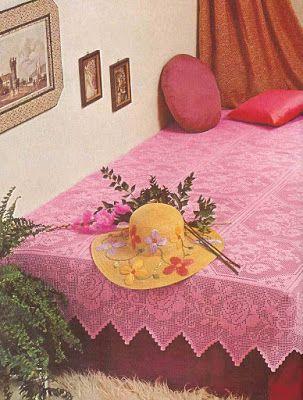 4da877f166aa Victoria - Handmade Creations   Κουβέρτα πλεκτή με βελονάκι σε ροζ τόνους