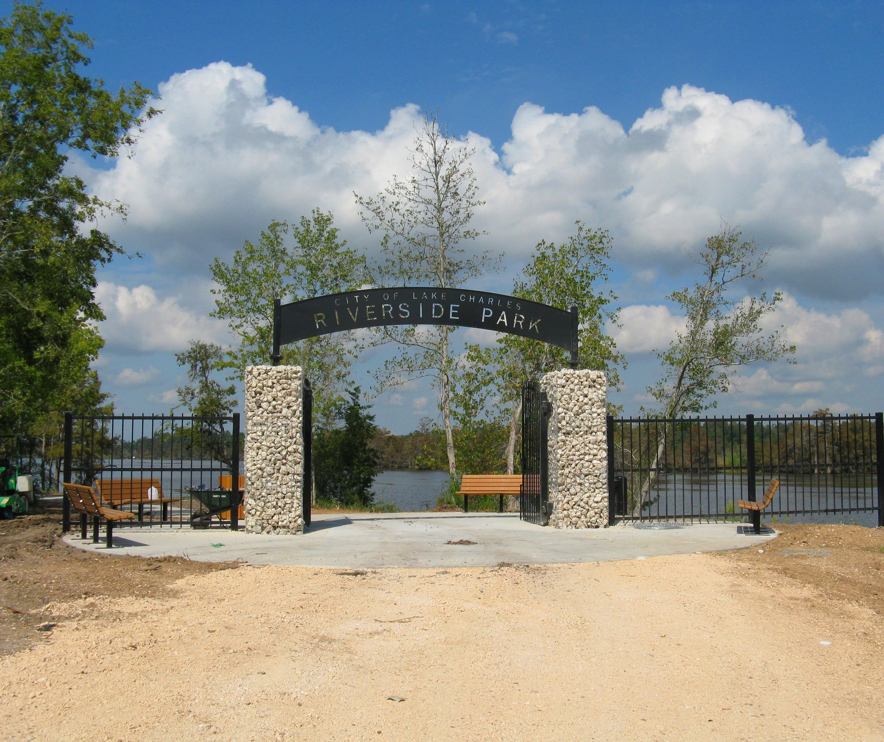 Riverside Park Features Nature Trails Fishing Piers Pavilions Playgound Amenities And Boat Launch Fitzen Riverside Park Pier Fishing Parks And Recreation