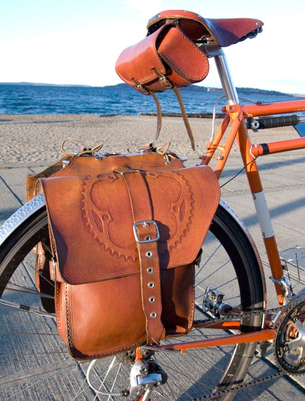 Handmade Leather Saddle Bag For A Bicycle 3 The Technique