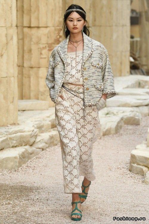 6e765b3b1676 Chanel Круизная коллекция 2018   Женская мода 2018   Chanel, Chanel ...