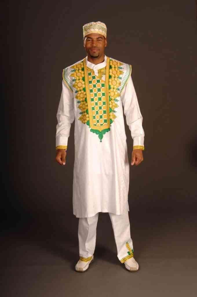 Nigerian men's traditional clothing | African Elegance – Afroculture.net #afrikanischehochzeiten Nigerian men's traditional clothing | African Elegance – Afroculture.net #afrikanischehochzeiten