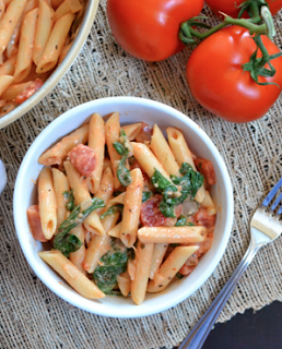 Cooking Pinterest: Creamy Tomato & Spinach Pasta Recipe