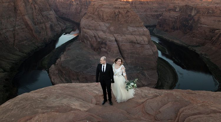Horseshoe Bend + Antelope Canyon Wedding Pictures. By Tyler Rye Photography