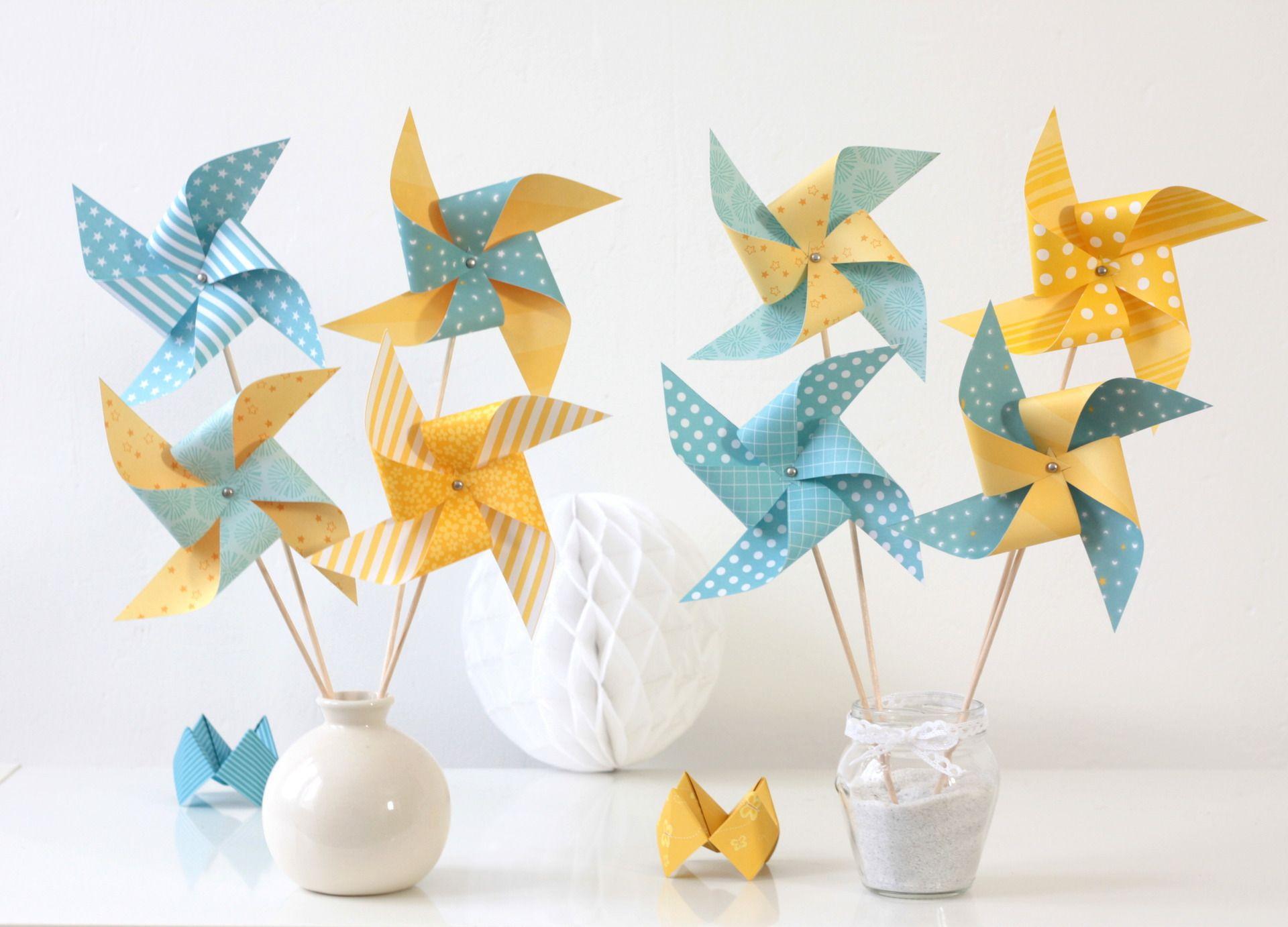 8 moulins vent dans les tons jaunes et bleus d coration de bapt me anniversaire chambre d. Black Bedroom Furniture Sets. Home Design Ideas