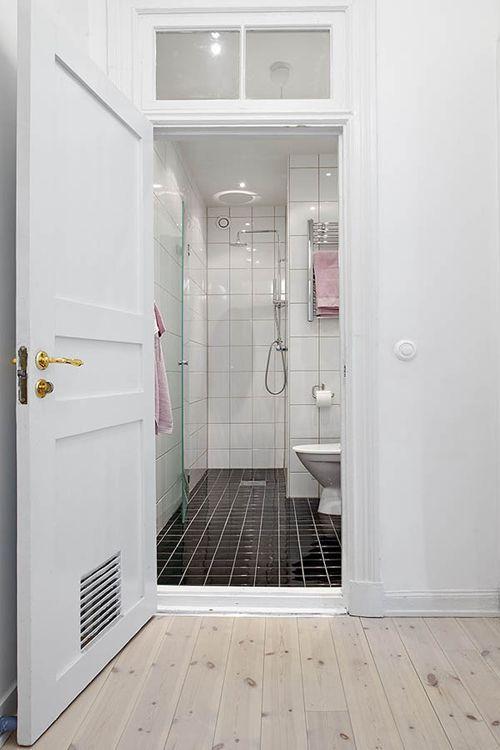 Voorbeeld kleine #badkamer | Bathrooms | Pinterest