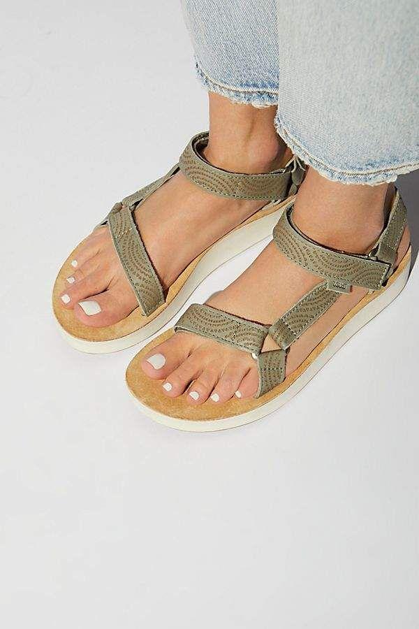 3745a5222 Midform Universal Geometric Teva Sandal