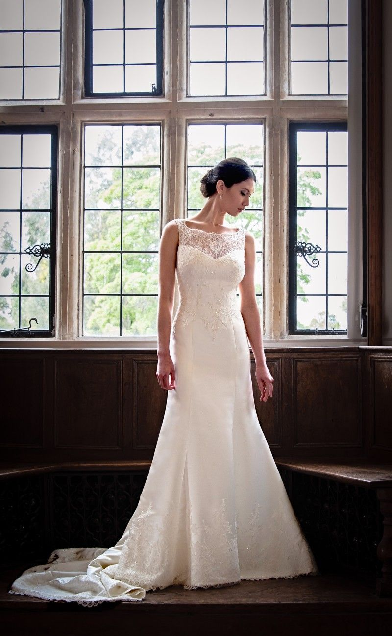 Wedding dress discount outlet