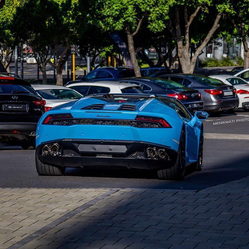 DAMN that's good looking! Brand new Huracan Spyder in Cape Town captured by @menikmati_photography #ExoticSpotSA #Zero2Turbo #Lamborghini #HuracanSpyder #CapeTown #SouthAfrica