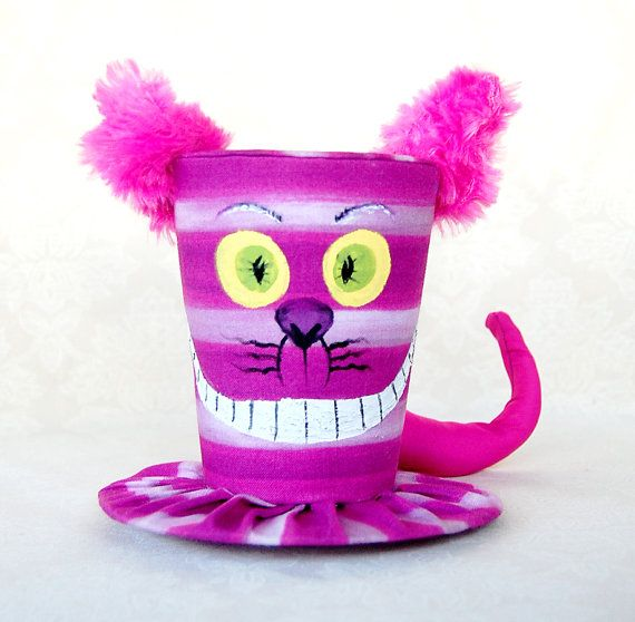 Peluche Chat Alice Au Pays Des Merveilles Tiny Top Hat The Cheshire Cat Version 2 Cosplay By Littlecasaroo 40 00 Alice In Wonderland Hat Crazy Hat Day Alice In Wonderland Tea Party