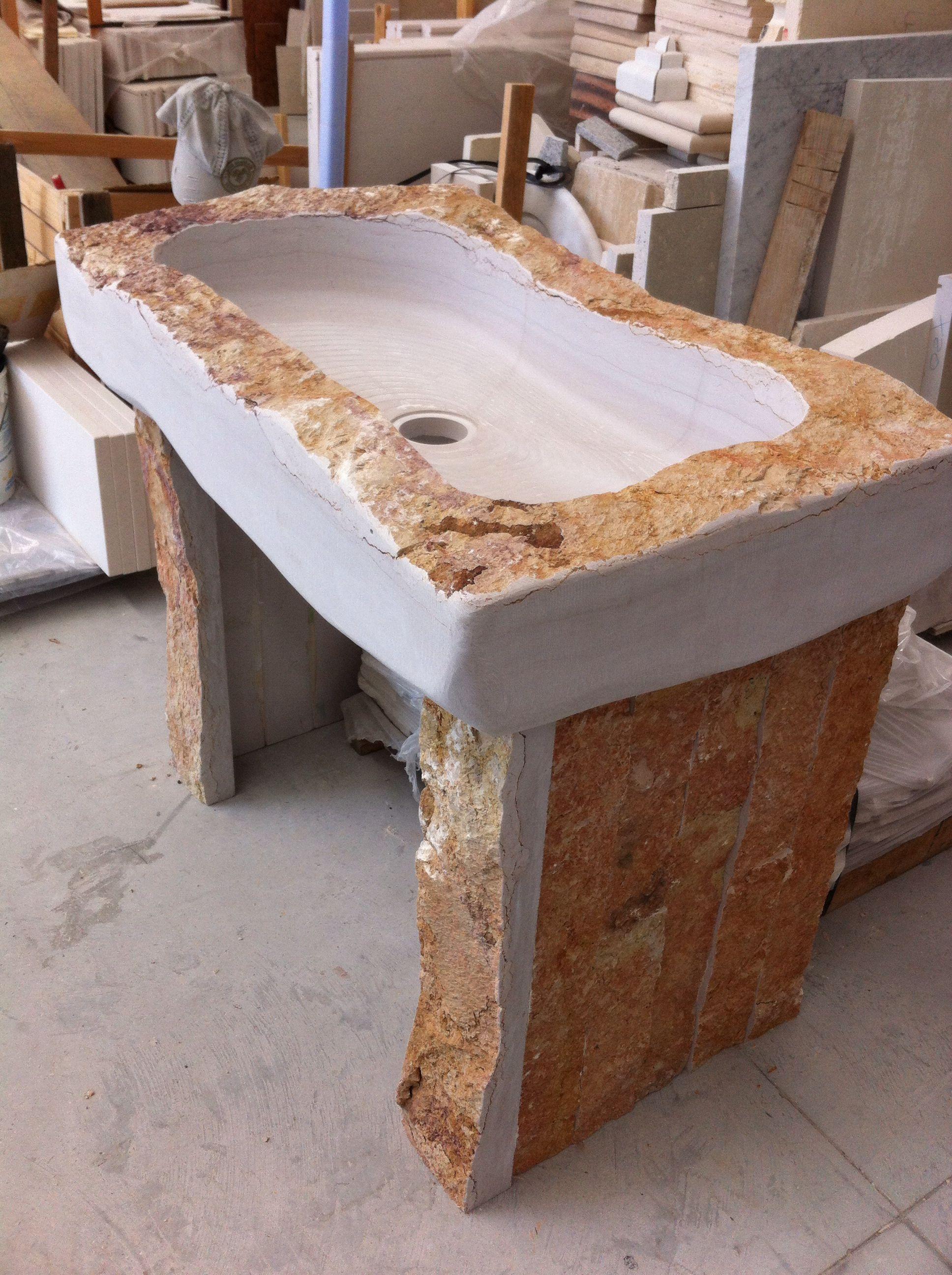 Lavandini Rustici In Pietra lavandino in pietra rustico completo di piedi nella stessa