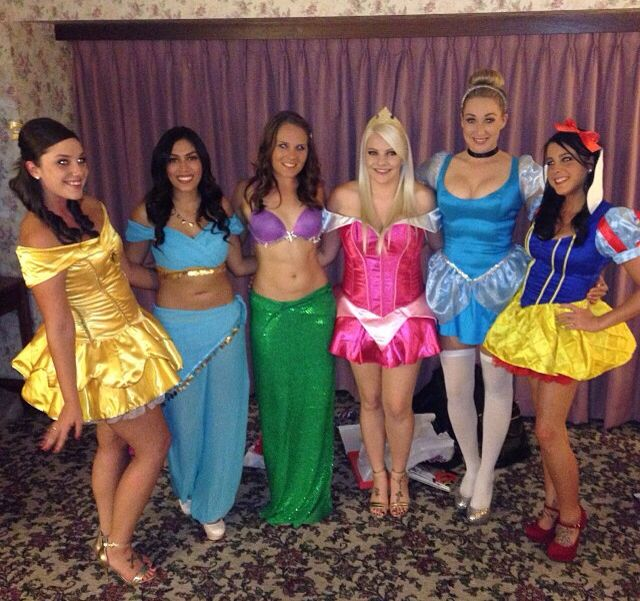 Disney princess costume i would love to get a group of my - Costume princesse disney ...
