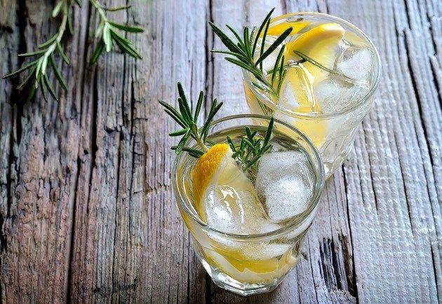 World Gin Day: drie keer gin zonder tonic - Het Nieuwsblad: http://www.nieuwsblad.be/cnt/dmf20150613_01729461