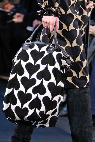 Diane Von Furstenberg chain of hearts handbag. Queen of hearts.