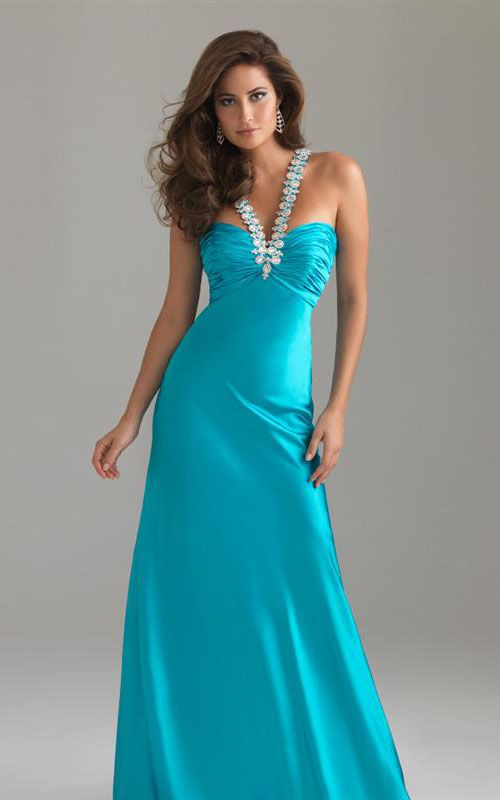 turquoise dress   Lovely clothes, hairstyles, jewelry , makeup ...