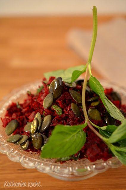Rote-Bete-Salat mit Ingwer und Minze auf www.katharinakocht.com