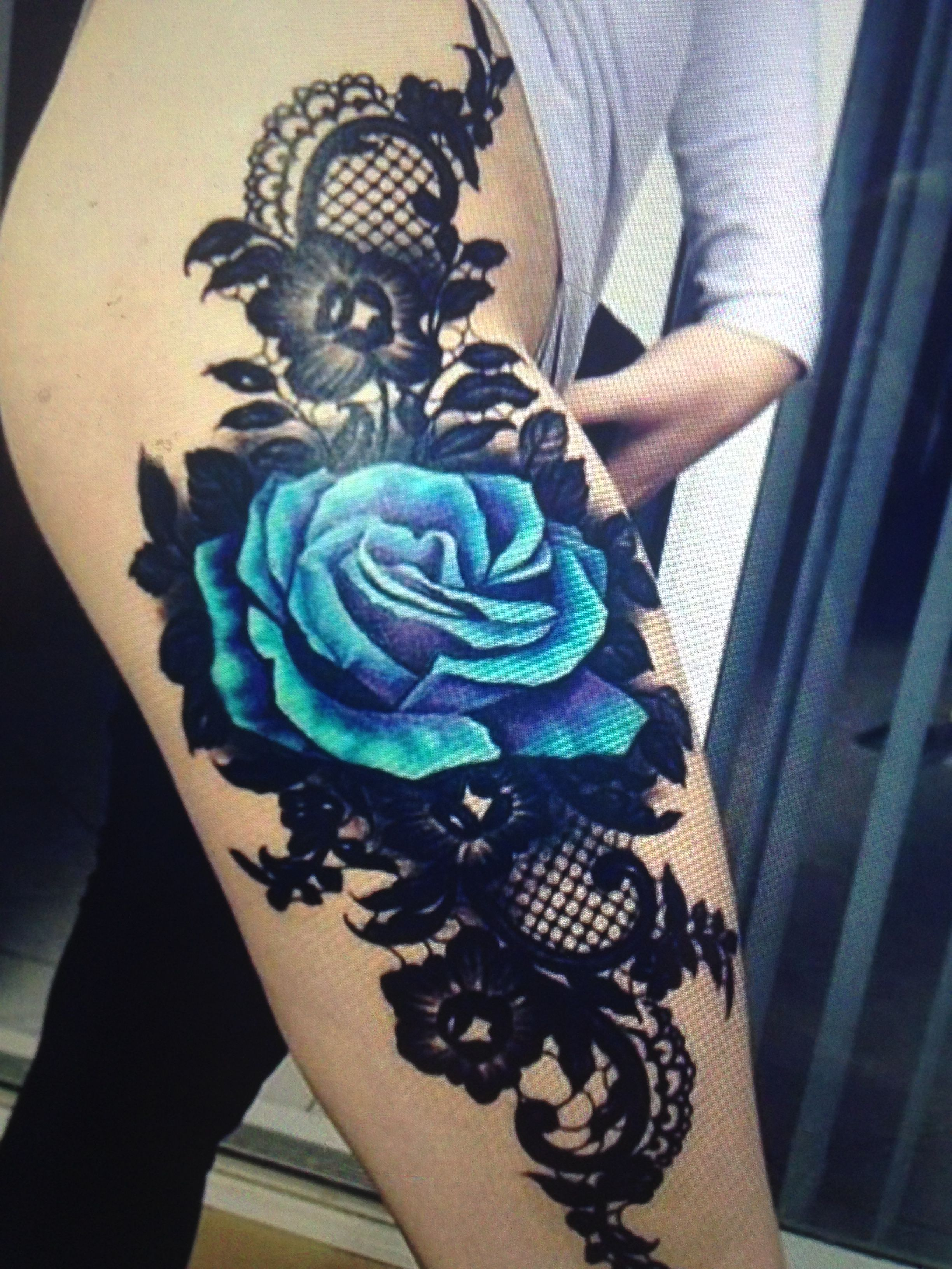 Pin by Cassie James on Tattoo's | Flower thigh tattoos ...
