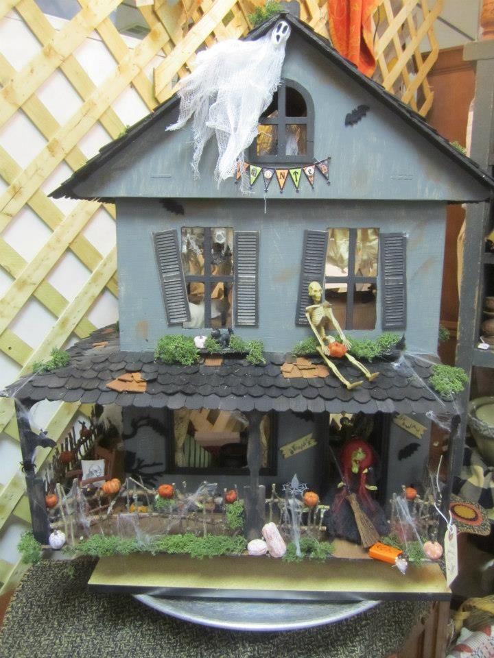 Haunted Dollhouse Haunted dollhouse, Halloween haunted