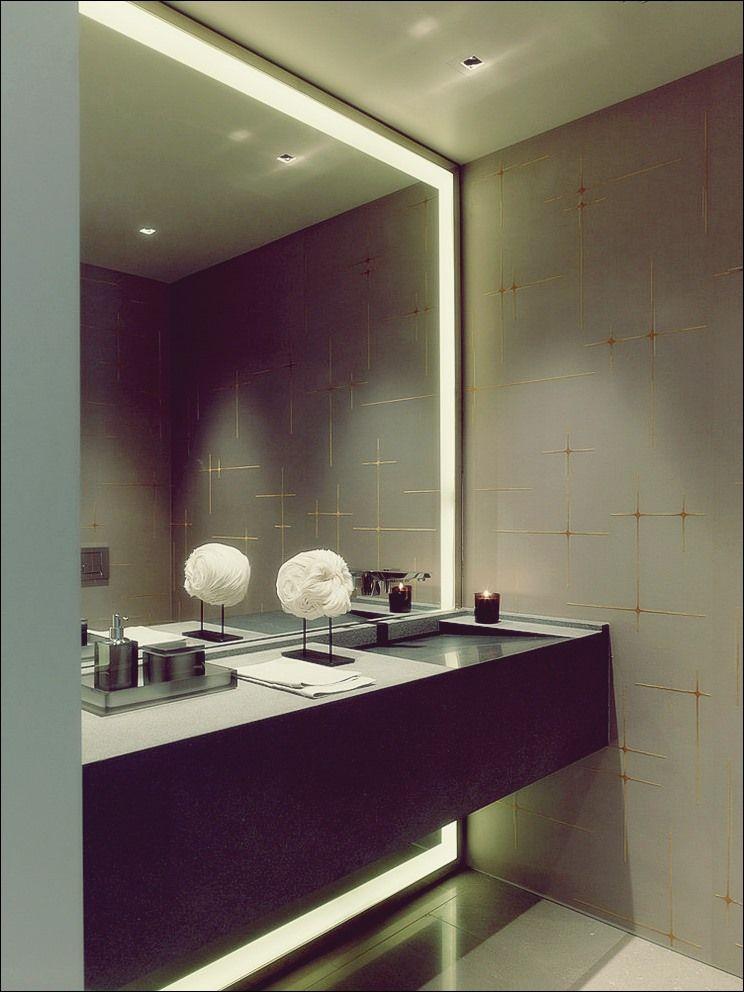 Wie Man Einen Modernen Badezimmerspiegel Mit Lichtern Auswahlt Bad Deko Modernes Badezimmerdesign Badezimmerspiegel Moderne Badezimmerspiegel
