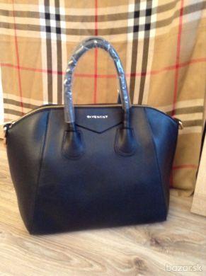 bec0fc025a Givenchy kabelka