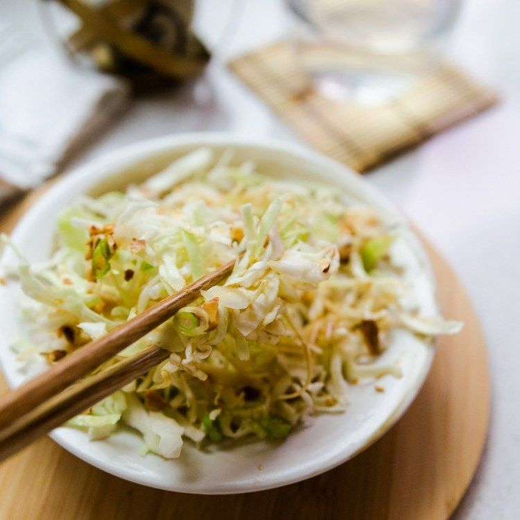 Japanese Cabbage Salad In 3 Minutes Lowcarbingasian Recipe Japanese Cabbage Salad Cabbage Salad Cabbage Side Dish