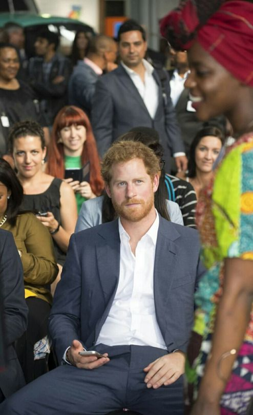 Prince harry is dating a black girl