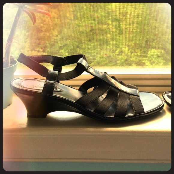Comfortable Dress Sandals With A Kitten Heel Comfortable Dress Sandals Dress Sandals Black Dress Shoes