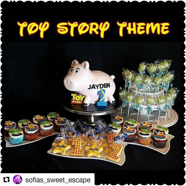 #Repost @sofias_sweet_escape with @repostapp ・・・ My first Toy Story themed Hamm Cake, Woody Cookie, Alien Cake Pops & Woody & Buzz cupcake toppers  #buzz #woody #toystory #disneyholic #hamm #pixar #sofiassweetescape #fondant  #cakedesigner #sculpted #royalicingcookies #cakepops #cupcakeposts_daily