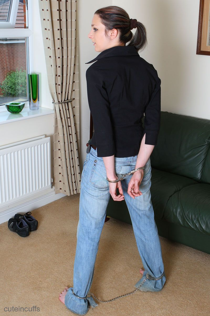 Woman likes spending her afternoons in handcuffs and leg ...