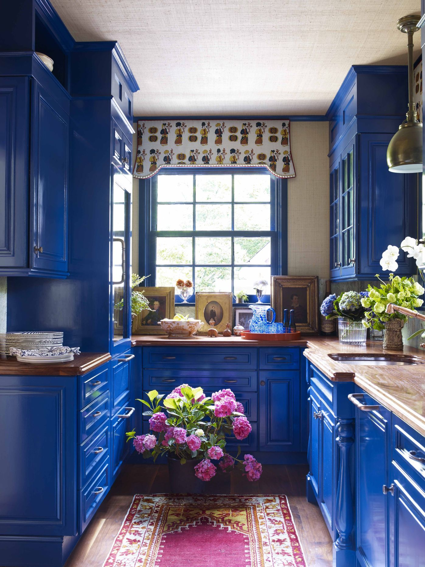 these 17 bombshell home bars are loaded with small space on basement bar paint colors id=56610