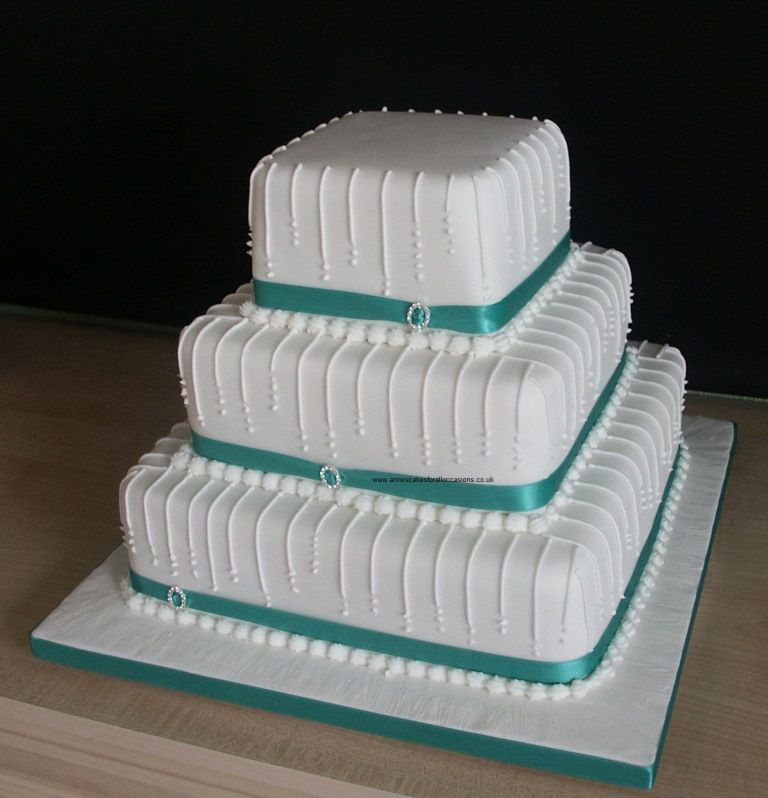 3 Tier Square Wedding Cake With Side Drop Line Design