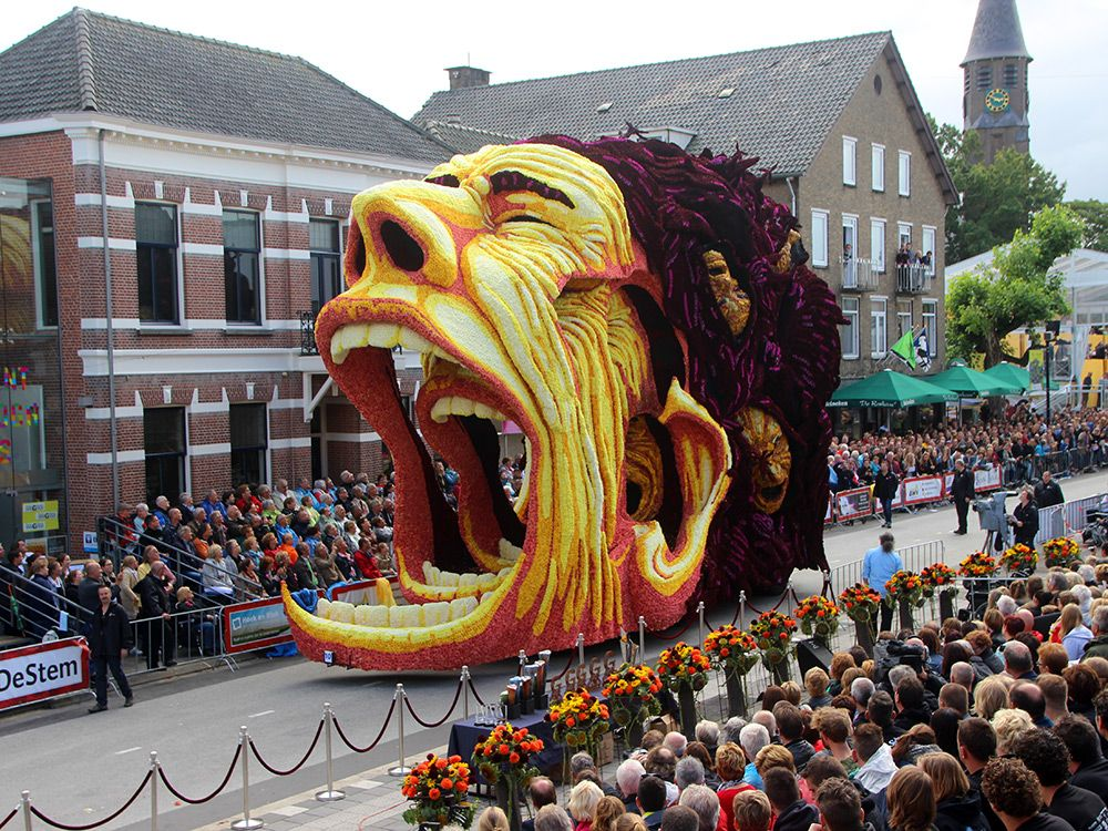 Annual Corso Zundert parade features giant floats inspired by Van Gogh