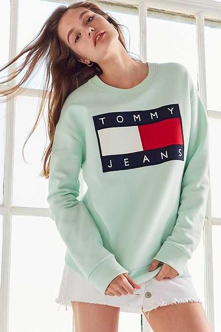 tommy jeans for uo 39 90s pullover sweatshirt summer. Black Bedroom Furniture Sets. Home Design Ideas