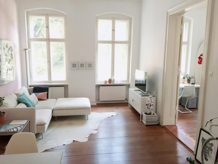 Wunderschönes Helles Schlafzimmer Mit Hellen Möbeln Parkett Und