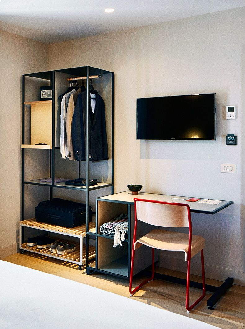 Hotel brummell furniture herrer a y carpinteria muebles for Muebles de estilo industrial barato