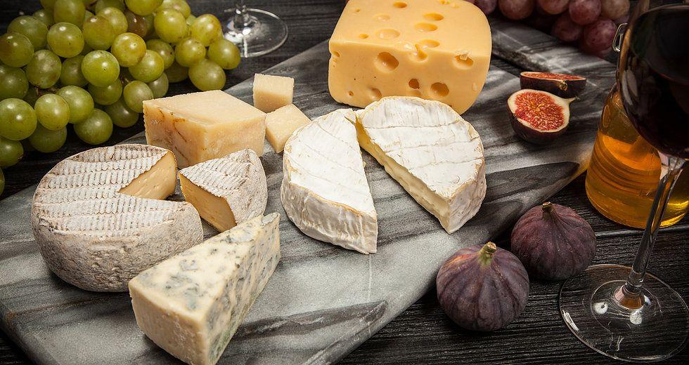 Soiree Degustation Accords Vins Et Fromages En 2020 Vin Et Fromage Degustation Filet D Agneau