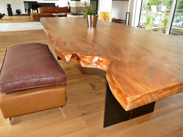 Gro er massivholztisch mit eisenf en aus einzigartigem for Naturholz tische esszimmer