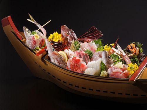 Here Comes the Sashimi Boat, Funamori! | Sashimi, Japanese street food,  Japanese dishes