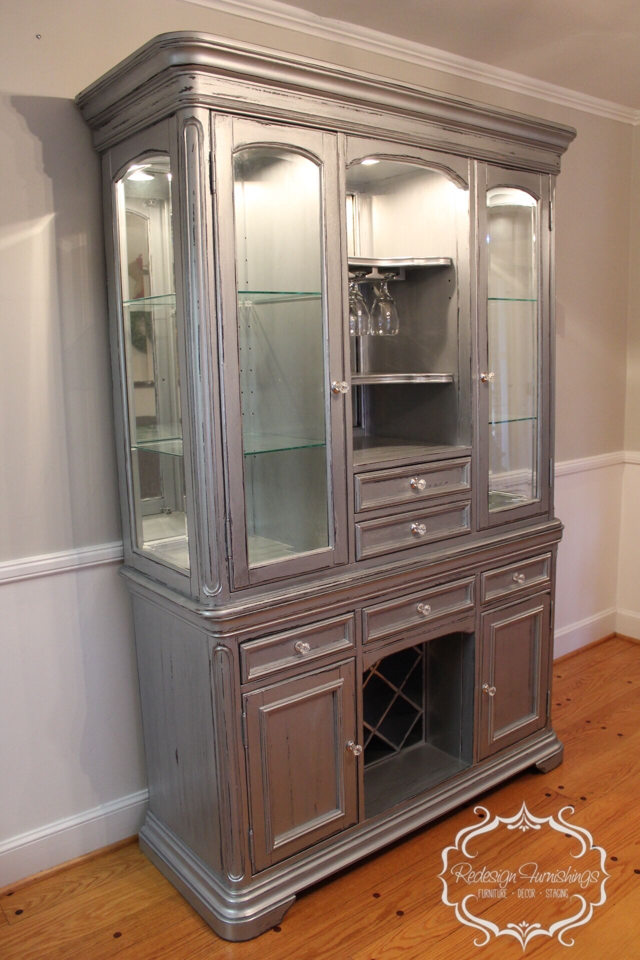 High Quality Silver China Cabinet Bar Wine Cabinet Distressed Rustic Chic
