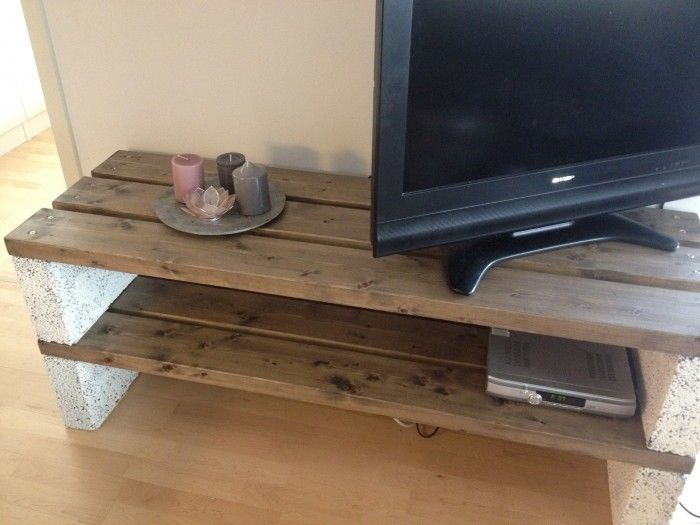 diy table rustic home is where the heart is pinterest diy table tv bench and diy tv. Black Bedroom Furniture Sets. Home Design Ideas