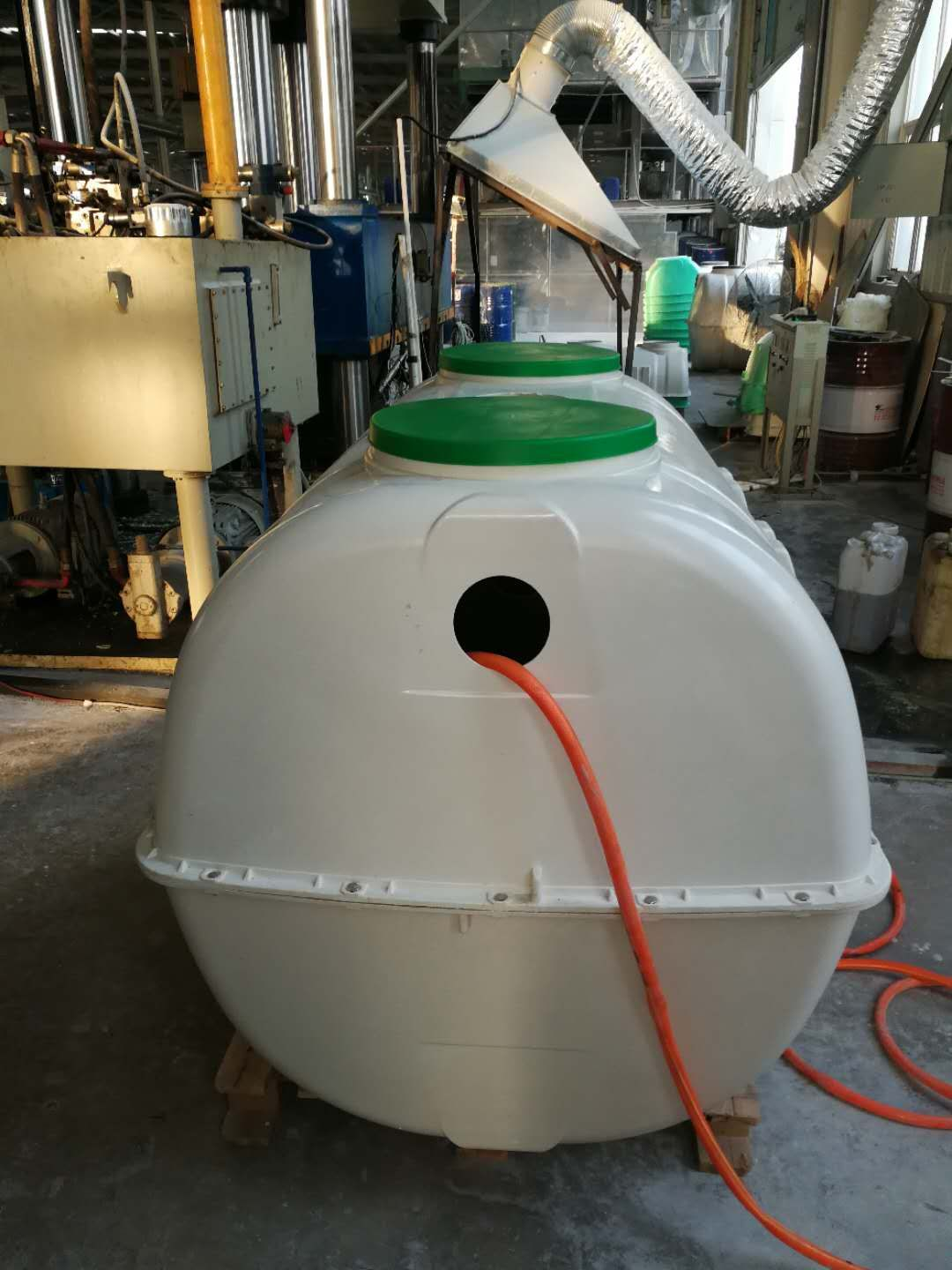 Fiberglass Septic Tank Has Good Tightness And No Leakage During Integrated Production It Covers A Small Area Fiberglass Septic Tank Fiberglass Tank