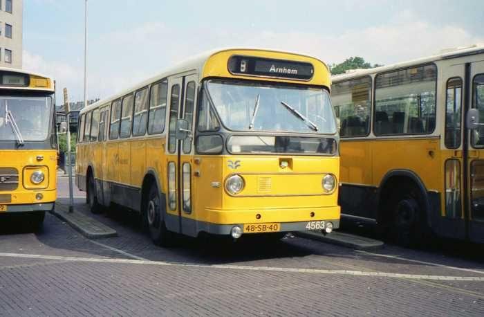 Flevodienst lelystad bus 4563 met kenteken 48 sb 40 op for Vavo arnhem