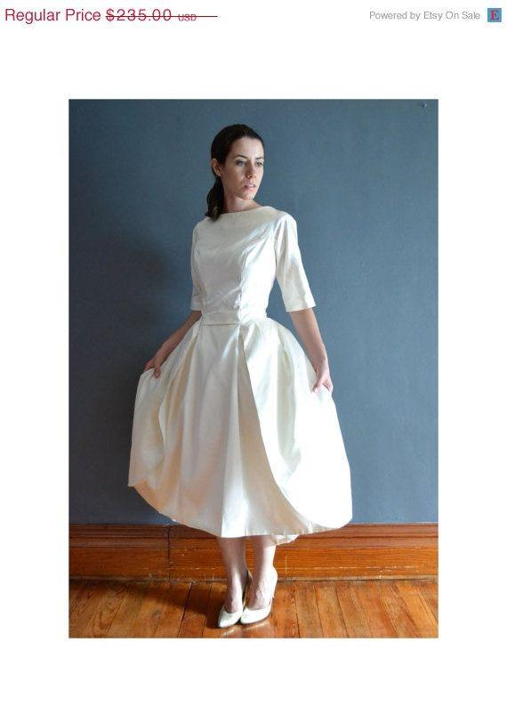 Daria / 60s short wedding dress / 1960s dress | Short wedding ...