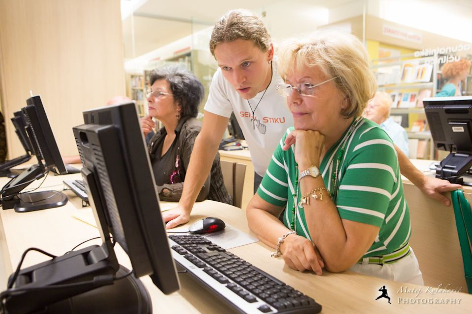 Improving ICT knowledge for older people and helping