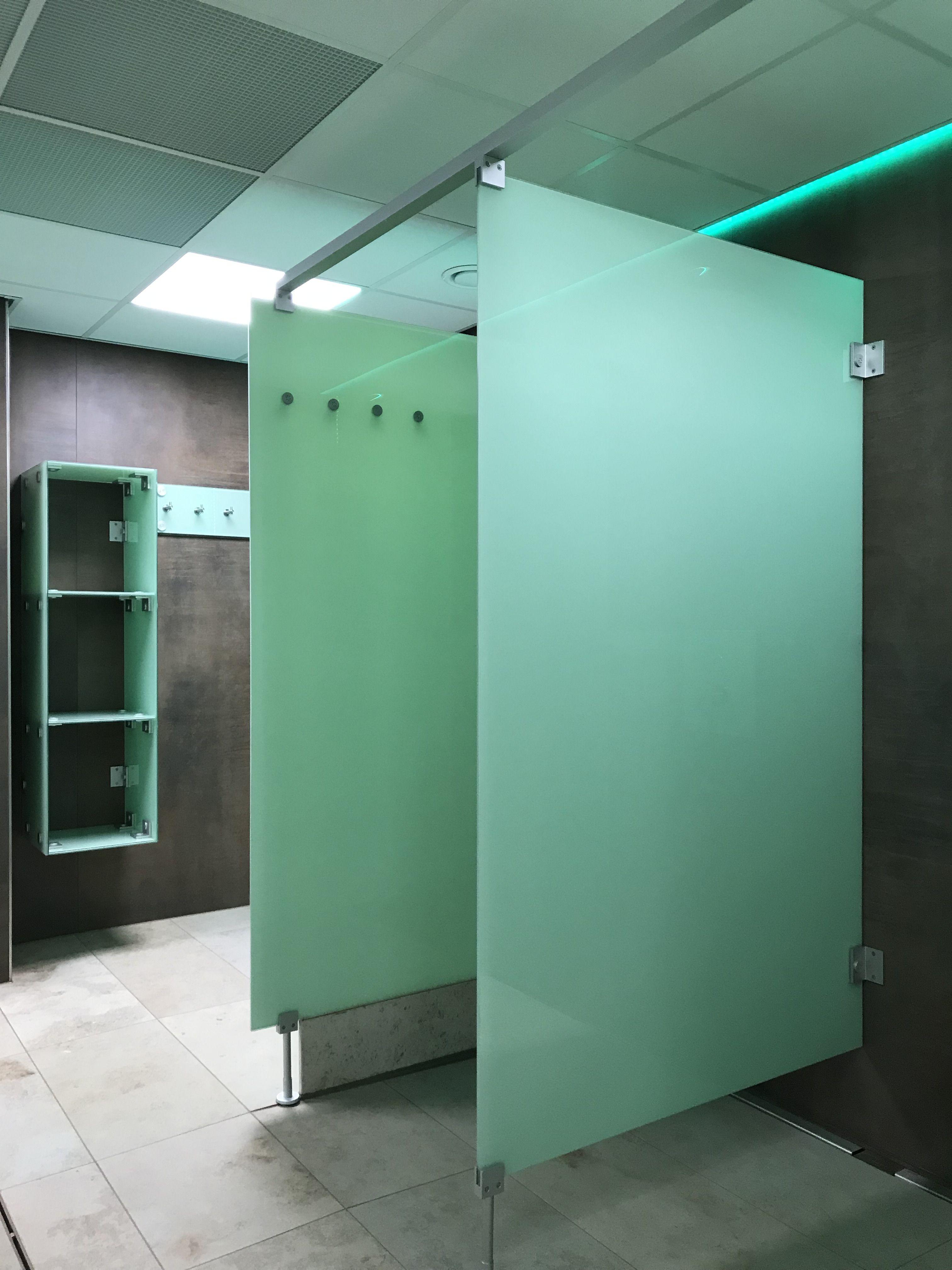 Duschtrennwande Noxx Smart Aus Glas Vsg In Farbe Weissgrun Von Kemmlit Schliessfacher Trennwand Hallenbad