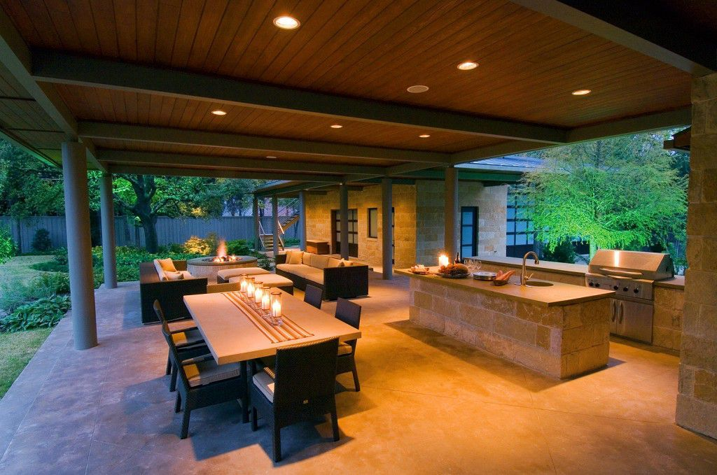 Modern outdoor kitchen combine with dining room for Modern dining area ideas