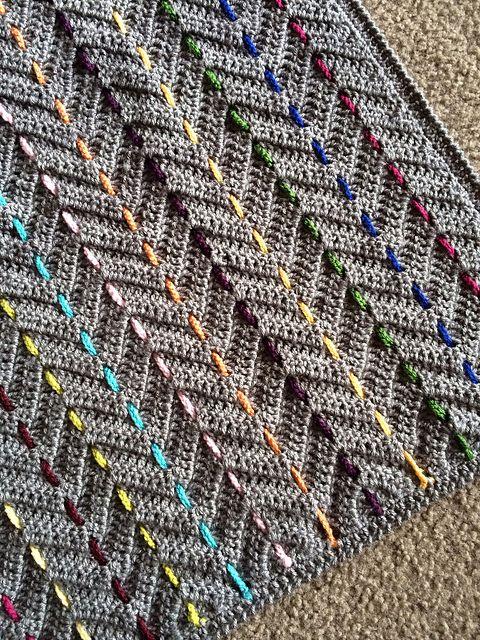 Threaded Colors Chevron pattern by Rachele Carmona | Manta, Tejido y ...
