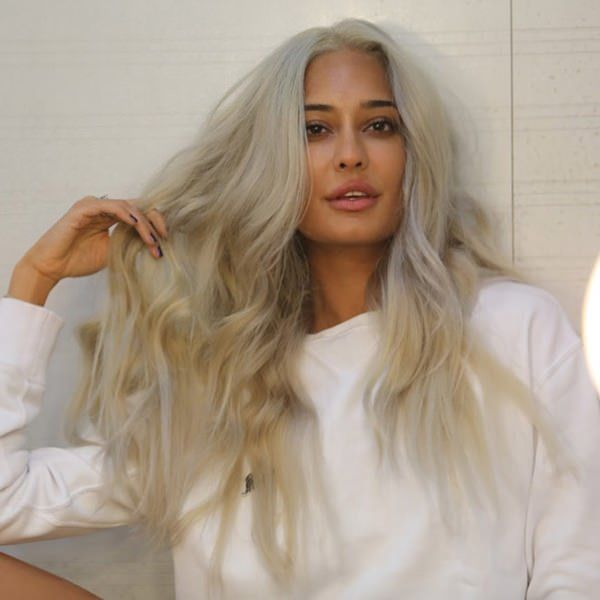 120 Ways You Can Rock Platinum Blonde Hair With Minimal Damage Dark Skin Blonde Hair Platinum Blonde Hair Indian Skin Hair Color