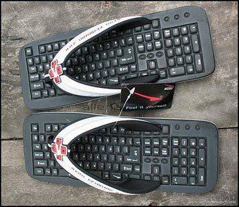 unas sandalias keyboard las quiero #geek