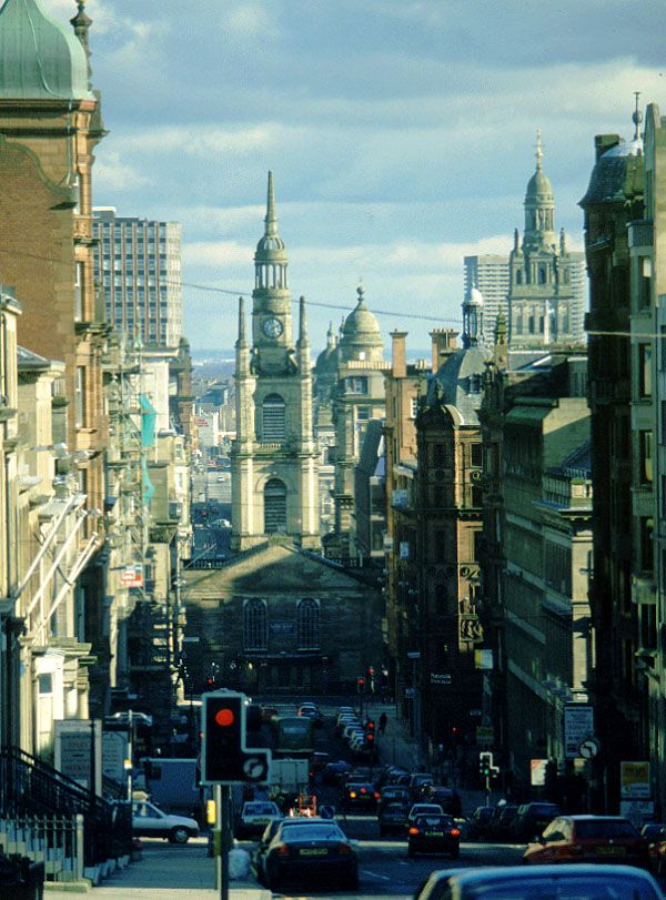 This street is one of my first memories of when I moved to Glasgow, and I will always link it to San Francisco, the way I imagine it would be